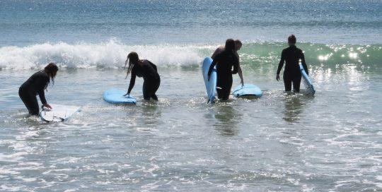 beginner surf camps